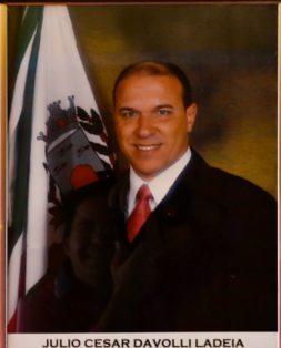 Júlio César Davoli Ladeia