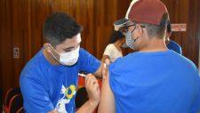Secretaria de Saúde antecipa aplicação de 2ª dose da vacina COVID-19 para maiores de 18 anos agendados até 02/